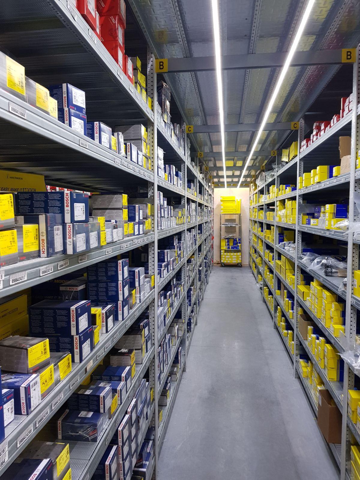 Arredamento negozi sicilscaff for Negozi d arredamento